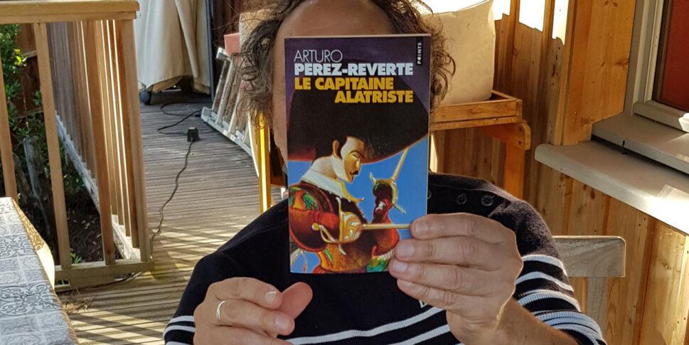 """Couverture du livre """"Capitaine Alatriste"""""""