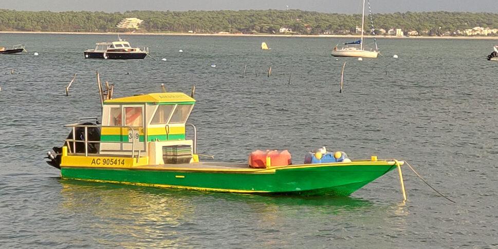 Photo d'un bateau sur le bassin