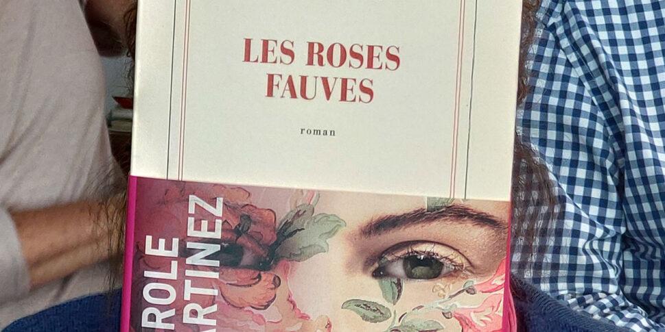 """Couverture du livre """"Les Roses Fauves"""""""