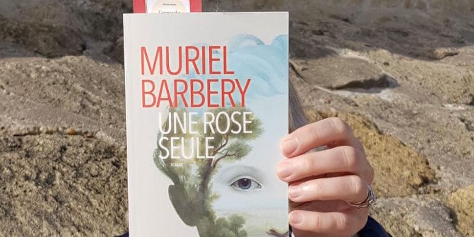 """Couverture du livre """"Une rose seule"""""""