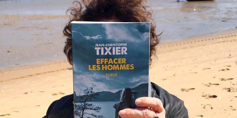 """Couverture du livre """"Effacer les hommes"""""""