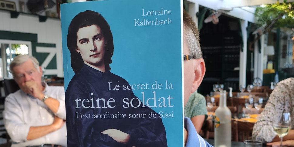"""Couverture du livre """" le secret de la reine soldat"""""""